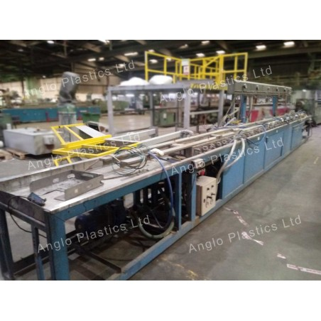 Greiner Haul Off with Technoplast Calibration Table Downstream Line